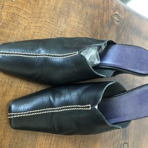 All leather slide pump